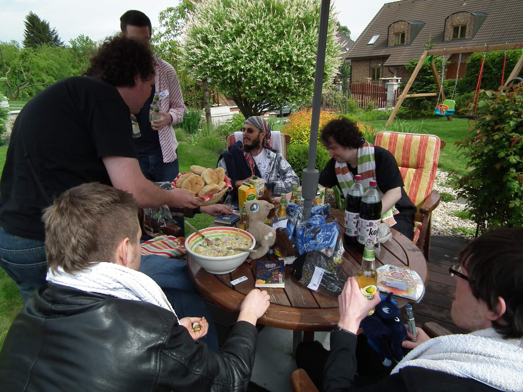 Historie 3. díl - Garden Luna party